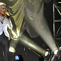 Carrie Underwood at the DCU.jpg