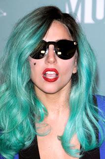 說到誇張的頭髮造型,怎能不提Lady Gaga呢