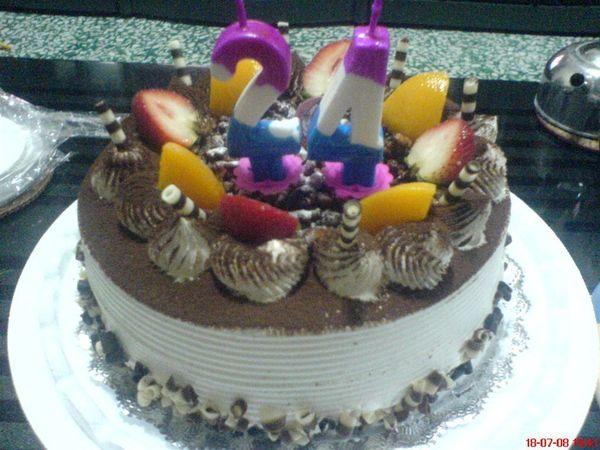 24生日蛋糕.JPG