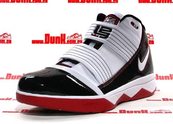 Nike Zoom LeBron Soldier III - Playoff Pack (POP) 03.jpg