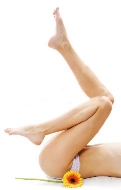 ist2_8316660-female-legs-with-flower-1