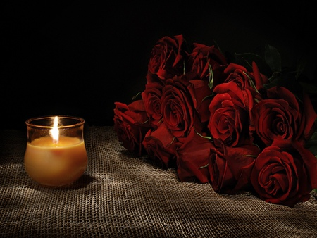 romantic-candles-and-flowers-for-bedroom