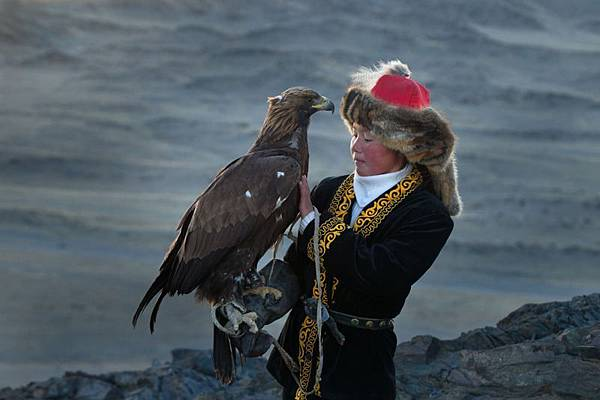 41e47920-c720-11e3-9017-a5a58d6af461_3_CATERS_Eagle_Huntress_06