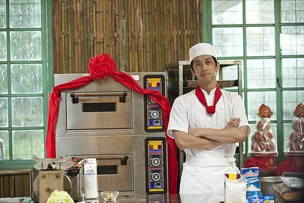 高秉宏(糕餅)–陳漢典  飾演