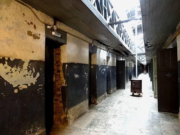 (10) 監獄博物館
