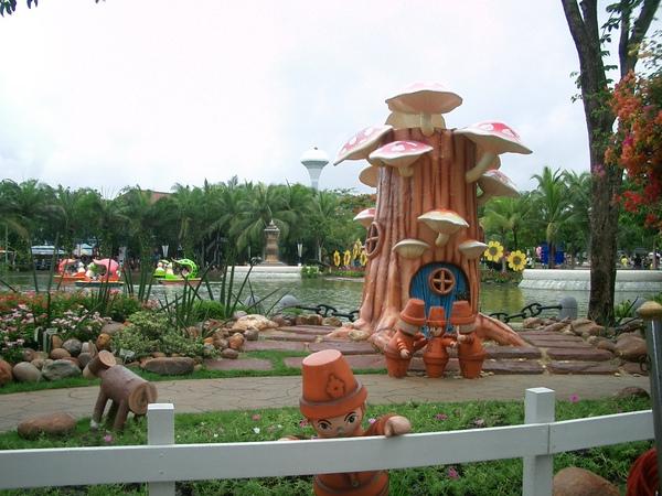 曼谷--夢幻世界 (2).JPG