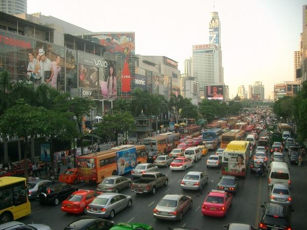 曼谷--繁華市中心Central World及周邊.JPG