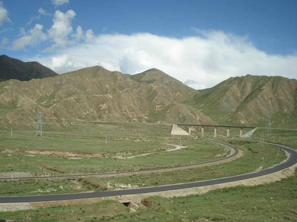 青藏鐵路沿路風光 (3) 青藏公路.JPG