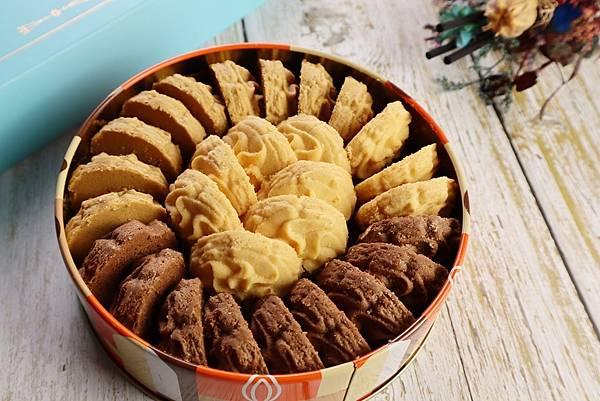【台中月餅推薦ptt】中秋節送禮選擇台中鴻鼎菓子的禮盒就對了!純天然又好吃!