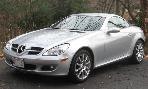 800px-Mercedes-Benz_SLK_R171.jpg