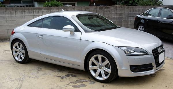 800px-2007_Audi_TT_Coupe.jpg