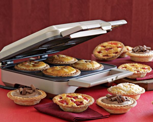 Breville_Personal_Pie_Maker_9-sixhundred