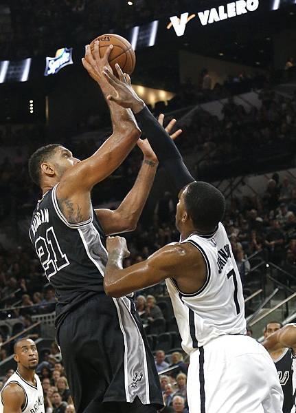 Tim+Duncan+Brooklyn+Nets+v+San+Antonio+Spurs+9qU3o3qeAyxx.jpg