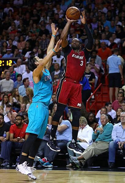 Dwyane+Wade+Charlotte+Hornets+v+Miami+Heat+dVqYhWuTFg9x.jpg