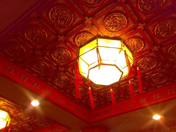 石門活魚餐廳的天花版