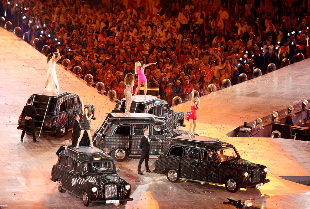 2012-olympics-closing-ceremony-spice-girls-12