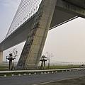 高屏溪斜張橋延伸對岸.jpg