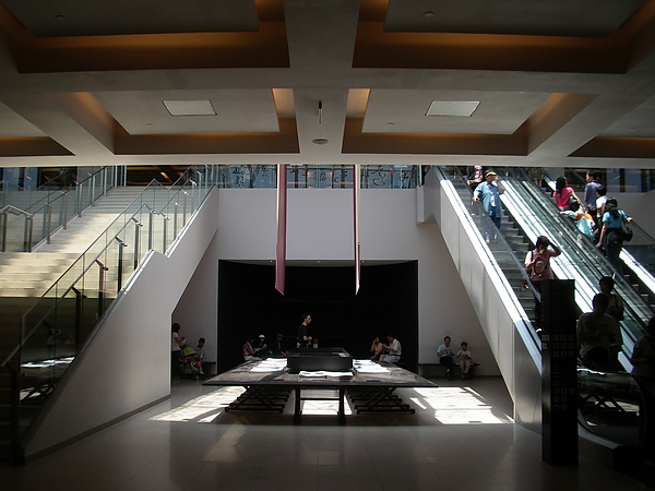 台北市故宮博物館第一展覽館B1大廳.JPG