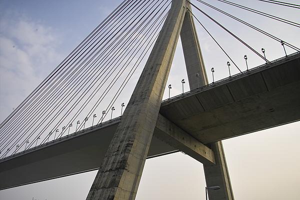 高屏溪斜張橋橋面特寫.jpg