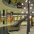 高雄市夢時代購物中心試營運禁止照相的金石堂廣場階梯.jpg