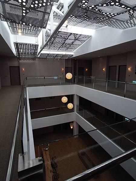 嘉義市嘉義商旅:梯廳設計 (13).JPG