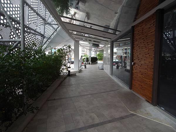 嘉義市嘉義商旅:外觀 (2).JPG