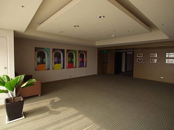 台南市成大會館:健身房&製冰機.JPG