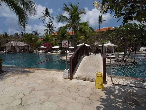 印尼峇里島THE WESTIN RESORT NUSA DUA BALI:泳池 (2).JPG
