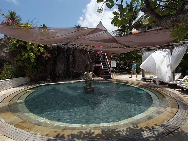 印尼峇里島THE WESTIN RESORT NUSA DUA BALI:泳池 (3).JPG