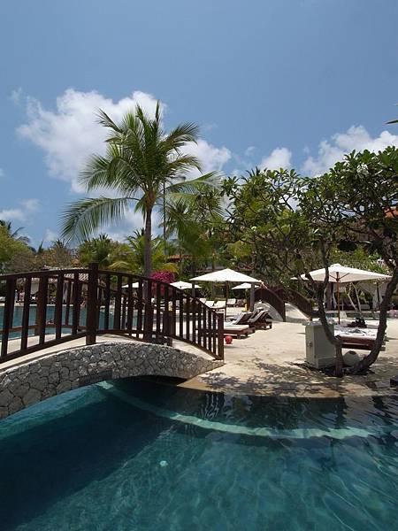 印尼峇里島THE WESTIN RESORT NUSA DUA BALI:泳池 (4).JPG