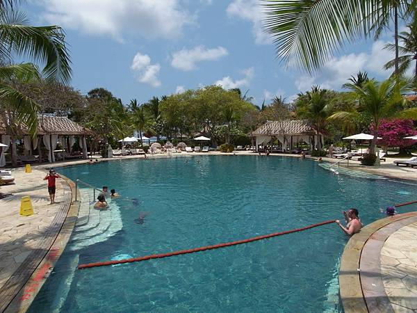 印尼峇里島THE WESTIN RESORT NUSA DUA BALI:泳池 (6).JPG