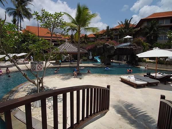 印尼峇里島THE WESTIN RESORT NUSA DUA BALI:泳池 (7).JPG