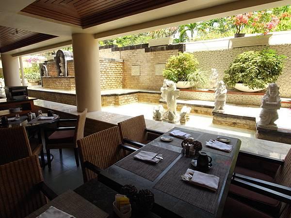 印尼峇里島THE WESTIN RESORT NUSA DUA BALI:THE VERANDA餐廳 (8).JPG