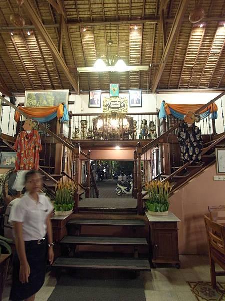 印尼峇里島Made's MARUNG餐廳庫塔店1 (11).JPG