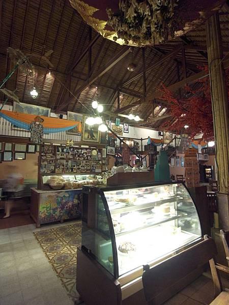 印尼峇里島Made's MARUNG餐廳庫塔店1 (12).JPG