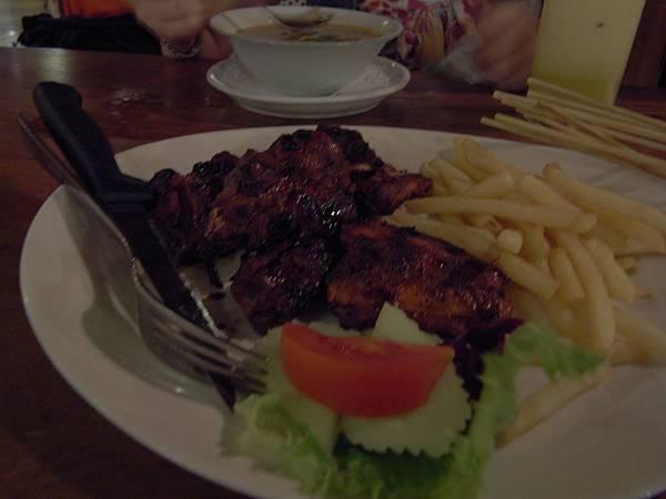 印尼峇里島Made's MARUNG餐廳庫塔店1 (20).JPG