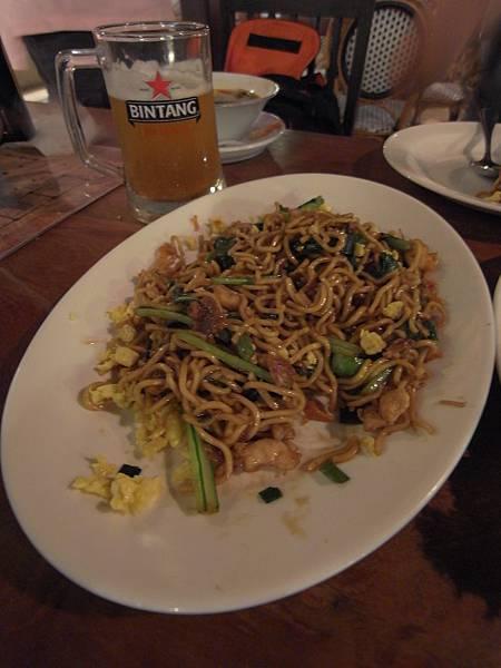 印尼峇里島Made's MARUNG餐廳庫塔店1 (22).JPG