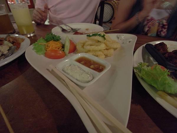 印尼峇里島Made's MARUNG餐廳庫塔店1 (23).JPG