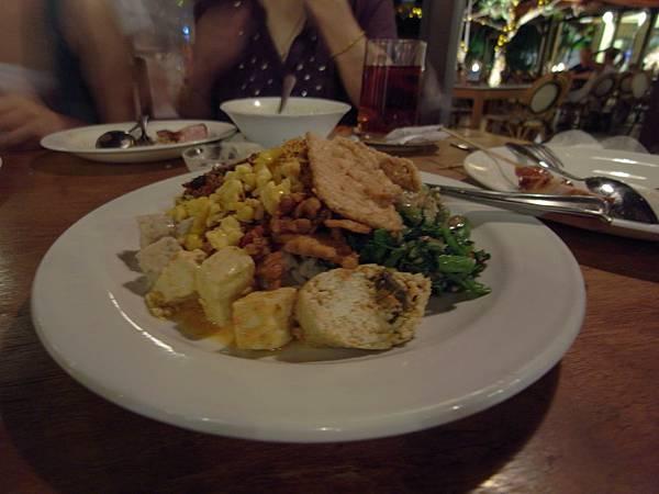 印尼峇里島Made's MARUNG餐廳庫塔店1 (24).JPG