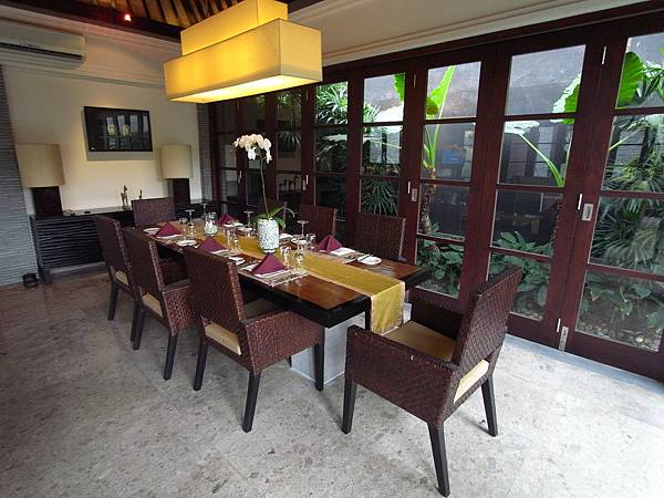 印尼峇里島SENTOSA PRIVATE VILLAS AND SPA,BALI:ROOM DINNER (4).JPG