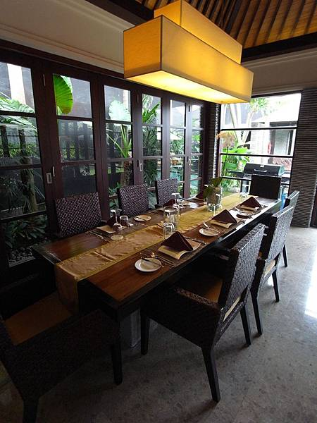 印尼峇里島SENTOSA PRIVATE VILLAS AND SPA,BALI:ROOM DINNER.JPG