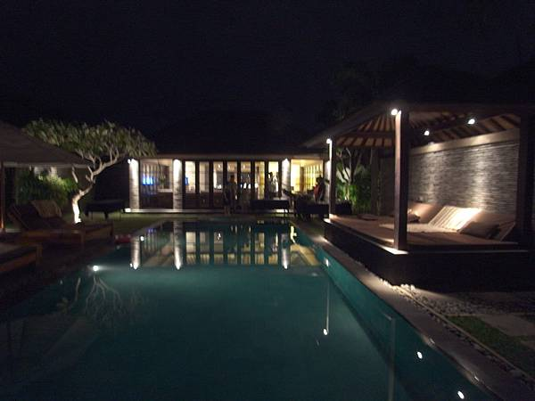 印尼峇里島SENTOSA PRIVATE VILLAS AND SPA,BALI:ROOM DINNER2 (7).JPG