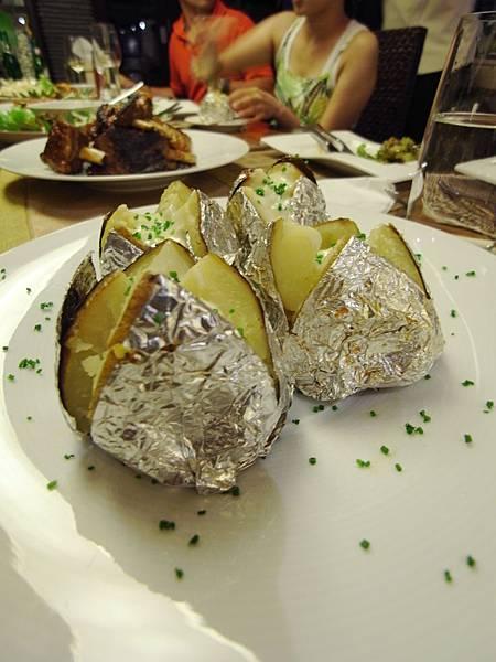 印尼峇里島SENTOSA PRIVATE VILLAS AND SPA,BALI:ROOM DINNER2 (13).JPG