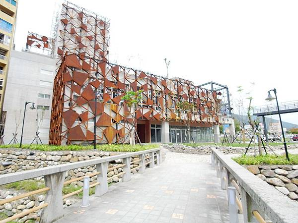 宜蘭縣礁溪鄉公有立體停車場 (5).JPG