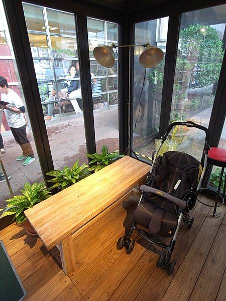 台北市ROOTS LODGE CAFE (6).JPG