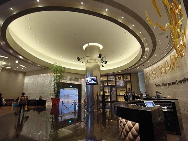 澳門Hard Rock酒店:大廳 (6).JPG