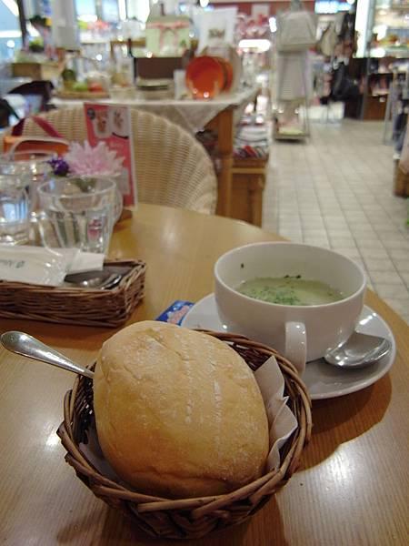 台北市Afternoon Tea TEAROOM台北微風廣場本館3F (21)