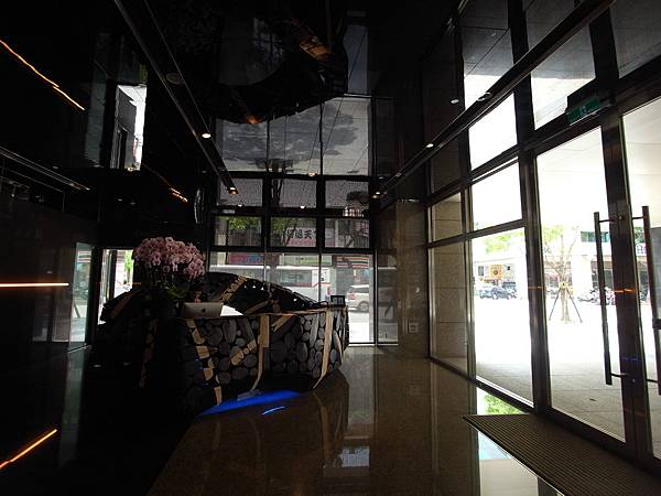 台北市華泰瑞舍:外觀+大廳+公設 (1)