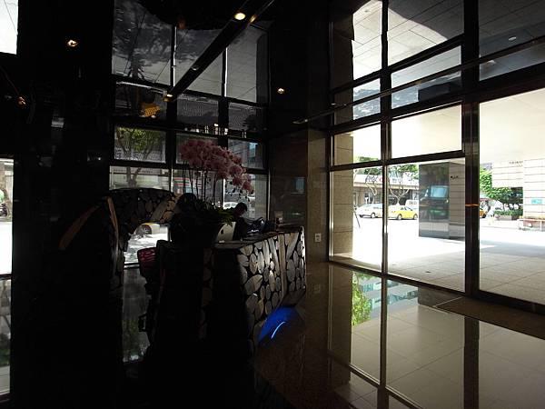 台北市華泰瑞舍:外觀+大廳+公設 (4)