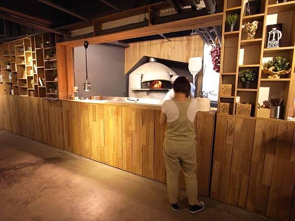 台北市薄多義義式手工披薩市府店 (24)